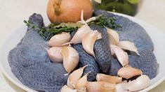 Какая особенность приготовления мяса черной курицы? Даем простой рецепт нежного филе черной китайской шелковой курицы. Нам понадобятся:
