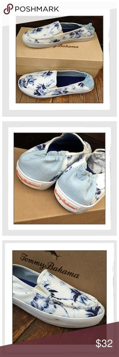 ✨Tommy Bahama Elina 'Art Of Palms' Sneakers✨ ✨Tommy Bahama Elina 'Art Of Palms' Sneakers✨Whether it's a stroll on the beach or a day at the pool, the Elina Art of Palms boat shoe will give you that paradise vibe✨Printed canvas upper with gathered heel✨Lightly cushioned footbed✨Durable rubber outsole for grip✨Small Scuff on Outer Edge Of Right Shoe✨New With original Box✨These are so adorable for summer✨Size 7.5✨ Tommy Bahama Shoes Sneakers