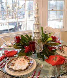 Christmas Table Setting Tablescape by Between Naps on the Porch