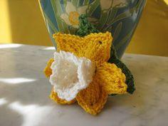 l'heure bleue: breien en haken/knitting and crochet Freeform Crochet, Thread Crochet, Knit Crochet, Diy Flowers, Fabric Flowers, Flowers For Everyone, Knitted Flowers, Thick Yarn, General Crafts