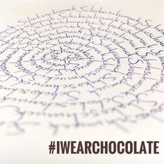 Heute ist Tag der ZARTBITTERSCHOKOLADE MIT MANDELN! hihi... . Dieser Tag wird hauptsächlich in den USA gefeiert. Und das Rezept dafür ist wohl eines der ältesten bekannten Sckokoladenrezepte. . Das nenn ich mal ne wichtige Information am Dienstag Morgen! . Was ist denn deine absolute Lieblingsschokolade? Lass mir doch einfach einen Kommentar da! . #schokoladigefakten #schokoschmuck #iwearchocolate #sabinebonath #designerschmuck #manufaktur #tuesday #dienstag #goodmorning #morningmotivation…
