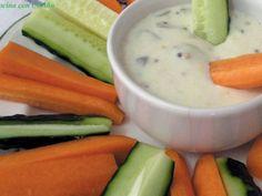 Receta Bastones de pepino y zanahoria con salsa de yogurt, para Molinillo - Petitchef
