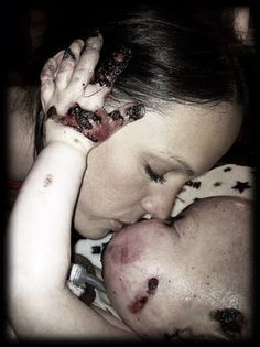 One loving and amazing mom .Broke my heart ~ Her love for Tripp is amazing and his for her. A true LOVE STORY~~ We Are The World, In This World, Touching Stories, Faith In Humanity, Pro Life, Mothers Love, My Heart Is Breaking, True Love, Make Me Smile