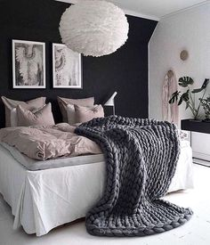 White is the perfect shade of bedroom design for every occasion. It is symbolizing peace and purity. These 20 white bedroom ideas will help you create the perfect bedroom designs you always dream of. Small Apartment Bedrooms, Apartment Bedroom Decor, Cozy Apartment, Cozy Bedroom, White Bedroom, Dream Bedroom, Bedroom Ideas, Bedroom Inspiration, Couples Apartment