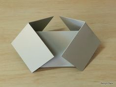 The double diamond fold card is a little tricky because of the way the two ends fold. I would suggest starting with a piece of printer pap. Fun Fold Cards, Pop Up Cards, Folded Cards, Diy Cards, Screen Cards, Tarjetas Pop Up, Card Making Templates, Step Cards, Iris Folding