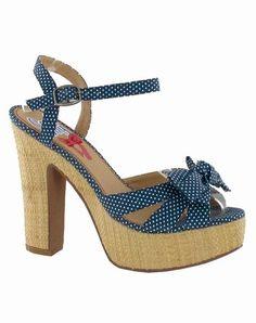 ¡En alza! Sandalias de plataforma para el verano 2012