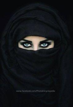 Woman Beautiful Eyes In Hijab Wallpapers Most Beautiful Eyes, Stunning Eyes, Beautiful Hijab, Arabian Eyes, Arabian Beauty, Eye Pictures, Muslim Beauty, Beautiful Muslim Women, Eye Photography