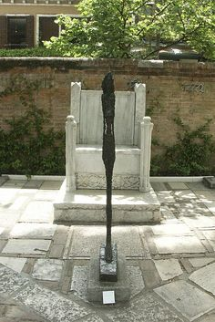 Alberto Giacometti at the Peggy Guggenheim Collection, Venice Alberto Giacometti, Giovanni Giacometti, Giovanni Boldini, Peggy Guggenheim, Art Interiors, Outdoor Sculpture, Historical Images, Venice Italy, Art World