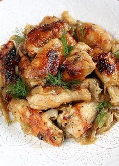 Polecam tę bardzo smaczną wersję skrzydełek, w marynacie miodowo-musztardowej, z czosnkiem; pieczonych na cebuli. Mięso jest wyjątkowo deli... Snack Recipes, Dinner Recipes, Cooking Recipes, Frango Chicken, Polish Recipes, Everyday Food, Food To Make, Chicken Recipes, Easy Meals