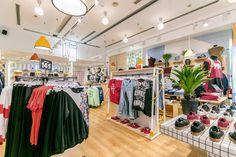 Philpark Maquinista ©pptinteriorismo #retail  #green #color #clothes #furniture #lamps #interiordesign #interiorismo #pptinteriorismo #philpark #fashion #barcelona