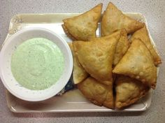 This Muslim Girl Bakes: Pakistani Chicken Samosas Halal Recipes, Curry Recipes, Indian Food Recipes, Asian Recipes, Cooking Recipes, Pakistani Food Recipes, Pakistani Dishes, Veg Recipes, Cooking Tips