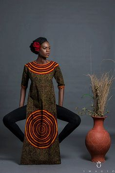 Image issue du site Web http://1.bp.blogspot.com/-mq7QZFyYGrU/Vhq4FJOV8CI/AAAAAAAAfU4/BqXRIegRhe8/s640/Belois-Couture-Resort-2015-Collection-FashionManiagh-October-2015%2B%25284%2529.png