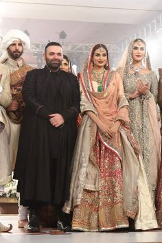 Fahad Hussayn Couture Collection at TBCW 2015 Pakistani Bridal Dresses, Bridal Lehenga, Indian Designer Outfits, Indian Outfits, Couture Collection, Dress Collection, Pakistan Fashion, Traditional Fashion, Dress Picture