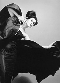 We HDovima modeling an evening gown by Jole Veneziani in a photo by Richard Avedon for Vogue, Milan, 1958ad Faces Then