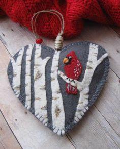 felt birds Embroidery christmas ornaments crafts 28 ideas for 2019 Christmas Ornament Crafts, Christmas Projects, Handmade Christmas, Holiday Crafts, Felt Projects, Felt Crafts, Fabric Crafts, Sewing Crafts, Cardinal Ornaments