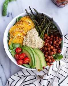 Vegetarian Recipes 17 Delicious Vegetarian Dinners You Can Make with a Tube of Polenta: Spicy BBQ C… Easy Vegetarian Dinner, Vegetarian Recipes Easy, Healthy Dinner Recipes, Whole Food Recipes, Rice Recipes, Vegan Polenta Recipes, Fall Recipes, Bisquick Recipes, Diet Recipes
