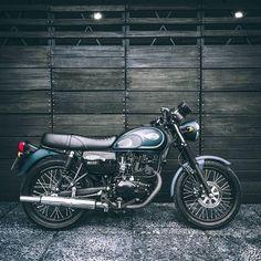 Gambar mungkin berisi: sepeda Motor Custom Motorcycle Shop, Transportation, Motorcycles, Bike, Instagram, Motorbikes, Bicycle, Bicycles, Motorcycle