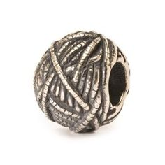 """BALL OF YARN"" troll bead"