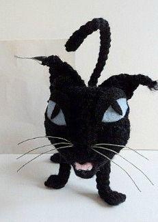 Wuss Puss free crochet pattern by amigurumitogo.com