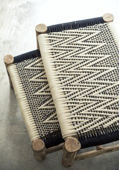 Woven cotton and eucalyptus wood-base bench seat Handmade Furniture, Diy Furniture, Furniture Design, Natural Furniture, Deco Ethnic Chic, Rattan, Wicker, Hippie Stil, Woven Chair