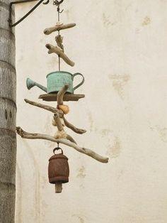 23 Ideas For Garden Art Ideas Wind Chimes Mobiles Driftwood Projects, Driftwood Art, Driftwood Mobile, Driftwood Beach, Blowing Wind, Wind Chimes Craft, Beach Crafts, Yard Art, Suncatchers