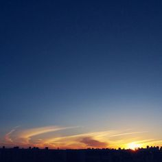 -- SURFEANDO CIELOS --  #amañeceres [#albertosierra_mobilephotography]