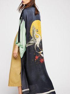 Free People - Rising Sun Maxi Kimono One size fits all Color - black combo Look Kimono, Kimono Dress, Kimono Fashion, Fashion Dresses, Tokyo Fashion, Punk Fashion, Lolita Fashion, Fashion Boots, Madrid