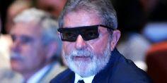 Com a liminar suspendendo o ato de posse de Lula, o petista perde (temporariamente) oforo privilegiado Lula passa a ter foro de cidadão comum como deve ser e continuaráa responder, em primeira in…