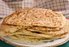 Hungarian Recipes, Yummy Snacks, Cooking Time, Bread Recipes, Pizza, Bakery, Food And Drink, Breakfast, Ethnic Recipes