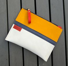 Zipper pouch / clutch / bag organizer / cosmetic bag in by rinarts, €25.50