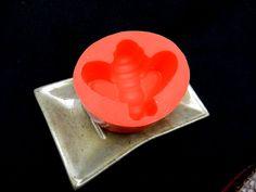 Silikonformen - Seifengießform Biene/ kerzengießform Biene - ein Designerstück von luflom-design bei DaWanda
