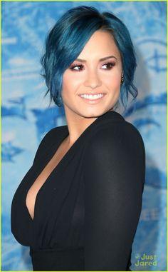 Demi Lovato: 'Frozen' Hollywood Premiere | demi lovato frozen hollywood premiere 09 - Photo