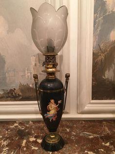 Paire De Lampes à Huile En Porcelaine Et Bronze. Napoleon III, La Fontaine Lumineuse, Proantic