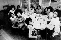The Jackson Five Funky Photo Gallery 2 Jackie Jackson, Randy Jackson, The Jackson Five, Jackson Family, Jermaine Jackson, Lisa Marie Presley, Familia Jackson, Black Love, Black And White
