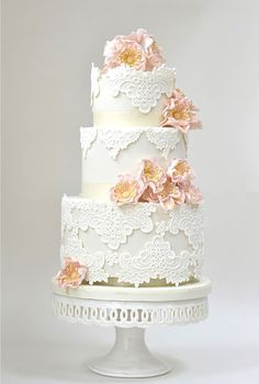 Gorgeous Vintage Lace Patterned Cake