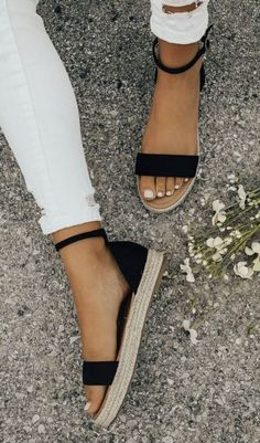 86c251af1f59 Cute black espadrilles. Black Sandals Outfit