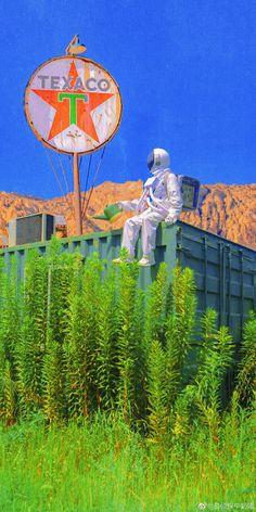 Astronaut Wallpaper, Neon Wallpaper, Phone Backgrounds, Beautiful World, Chill, Scenery, Universe, My Arts, Wallpapers