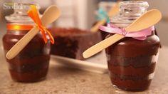 Aprenda a fazer o doce de brigadeiro e bolo no potinho