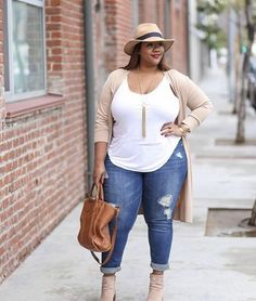 Plus size weekend casual - full figure fashion clothes for the. Plus Size Summer Fashion, Plus Size Fashion For Women, Plus Size Women, Curvy Girl Fashion, Look Fashion, Fashion Outfits, Fashion Trends, Fall Fashion, High Fashion