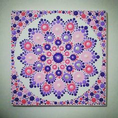 circle the whole thing mini dots to express the edge and fill in area. Mandala Canvas, Mandala Artwork, Mandala Painting, Dot Art Painting, Stone Painting, Painting & Drawing, Altered Canvas, Painting Templates, Mandala Rocks