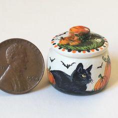 KARRY JOHNSON IGMA Artisan Miniature painting wood pot BLACK CAT,BATS,PUMPKINS 5 Bats, Pumpkins, Folk Art, Artisan, Miniatures, Wood, Painting, Popular Art, Woodwind Instrument