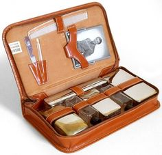 1940s men's toiletry kit