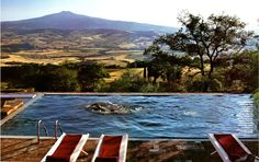 Located in the countryside and featuring a remarkable landscape: Tuscany 4