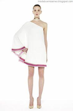 Minimalismo: Vestido corto blanco