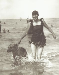 Suzy Solidor with her dog, Tobrouk at Deauville, 1920