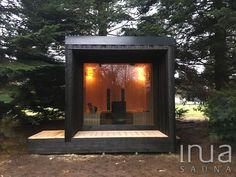 Kültéri szauna terasszal és zuhanyzóval. - Outdoor sauna with terrace and shower. Saunas, Sauna House, Outdoor Sauna, Sauna Design, Outdoor Buildings, Outdoor Bathrooms, Zurich, Tiny House, Small Houses