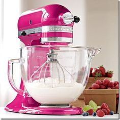 I really cannot cook or bake very well, but something tells me if I owned this my food would taste SOOO much better :) <3
