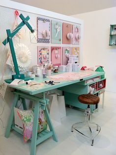 Love the table. Sewing Room Design, Sewing Room Decor, Craft Room Design, My Sewing Room, Sewing Rooms, Bedroom Decor, Craft Desk, Craft Room Storage, Room Organization