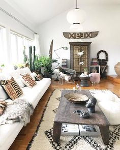I'd like to give a shout-out to my friends (kuba cloth pillow from the Congo), (Zambian Makenge basket) and (Gotland sheepskin rug/throw) for this collaboration Have a great. African Interior Design, Ethnic Design, Living Room Decor, Living Spaces, Ethnic Home Decor, Elle Decor, Room Inspiration, Trends, Home Furniture