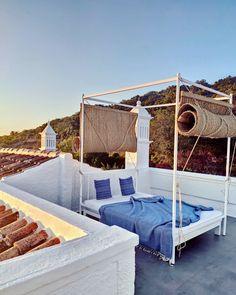 Outdoor sleeping on the rooftop terrace of Suite 4
